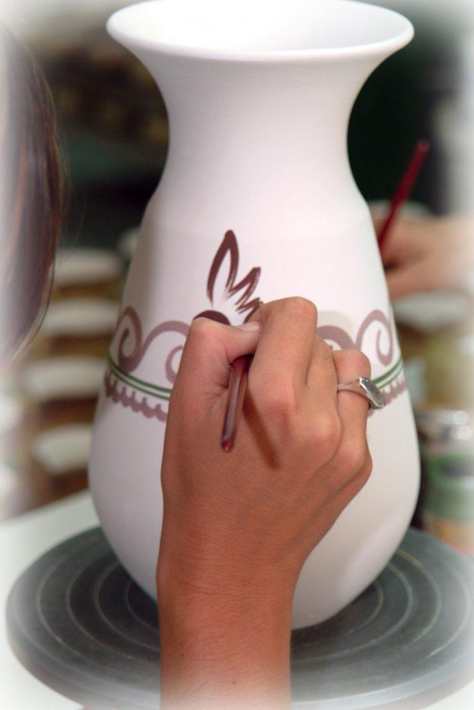 cerámica pintada a mano