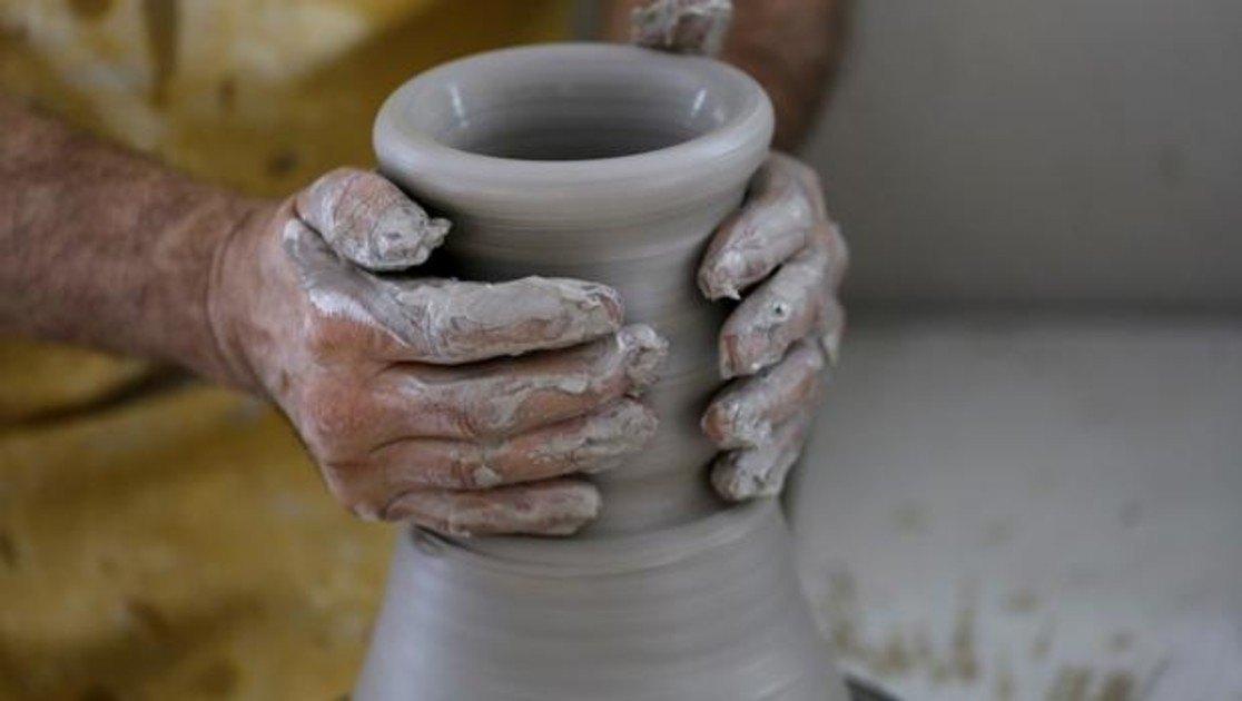 manos-alfarero